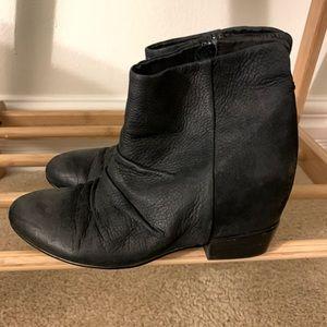 Black Leather Aldo Boots - Size 8